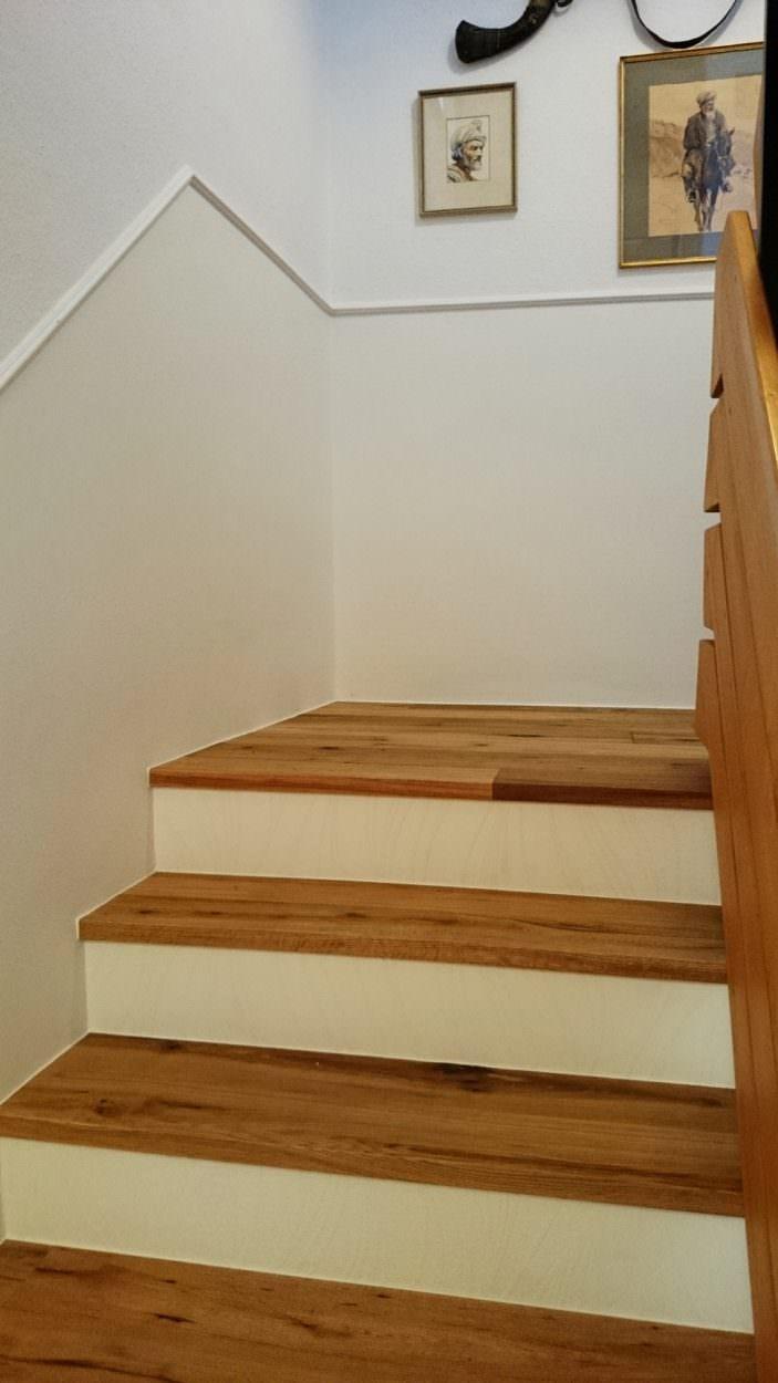 Treppenhaus Holztritt Stufe