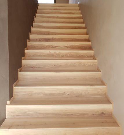 Treppe-Kernesche-weiß