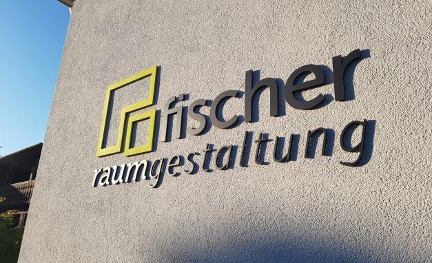 Logo-Fischer-Fassade