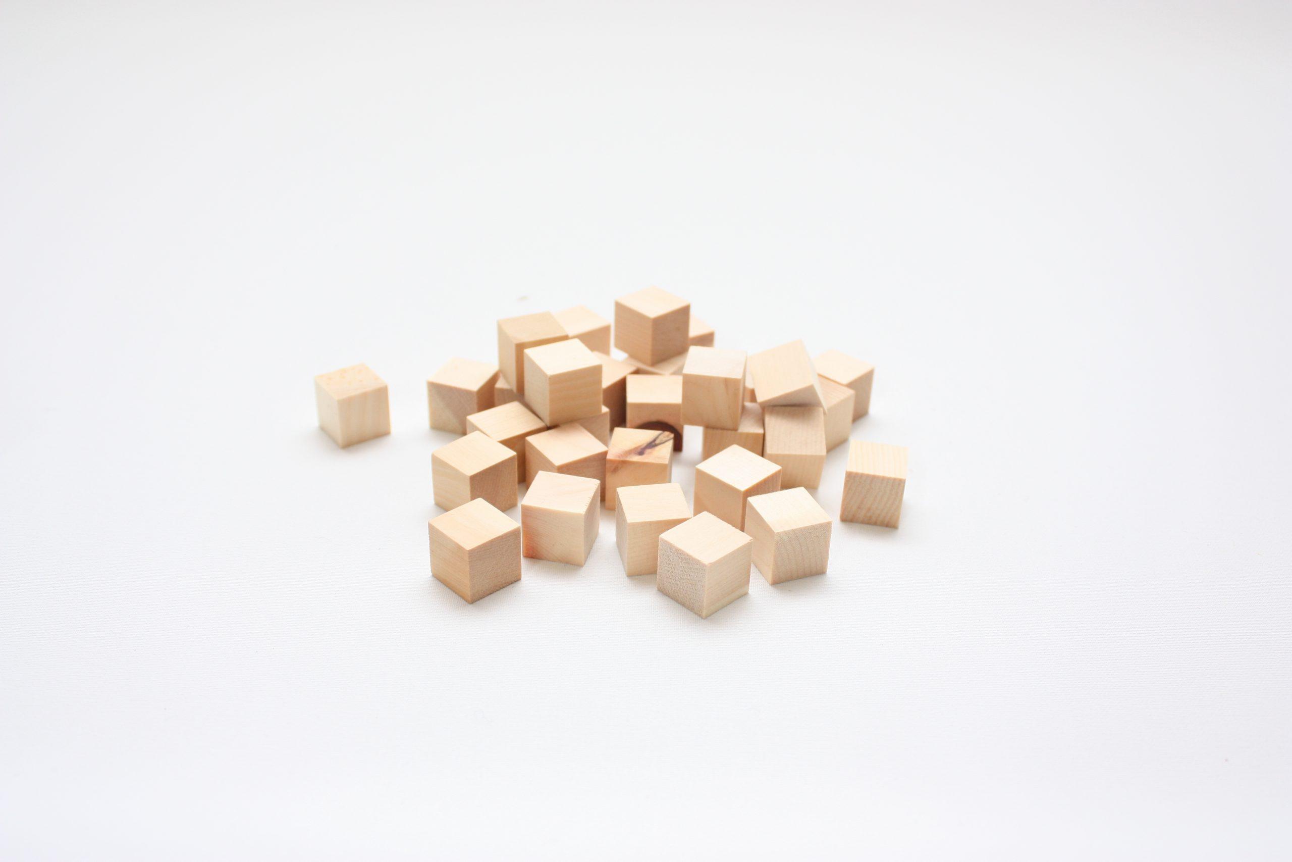 Holzwürfel-Zirbe